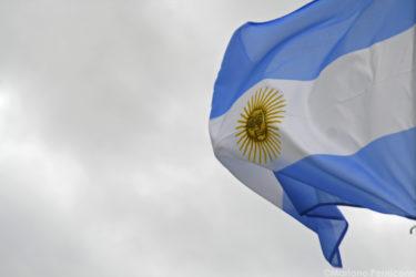 デフォルト繰り返すアルゼンチン、経済の混乱続く